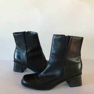 Naturalizer 830N38 Black Leather Ankle Boots 9 M